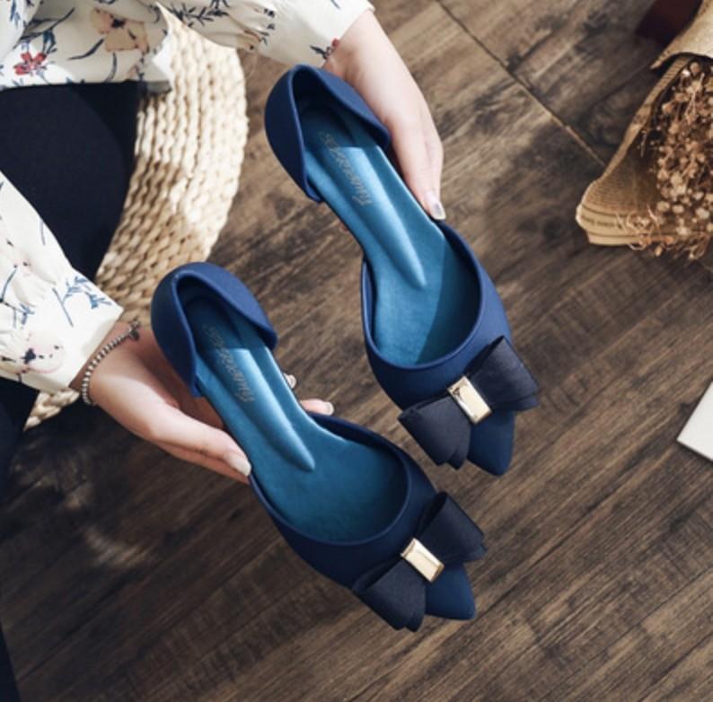 美鞋 推薦款 網紅推薦 夏季梅麗莎果凍鞋2020新款尖頭粗跟蝴蝶結沙灘鞋坡跟中空涼鞋女40